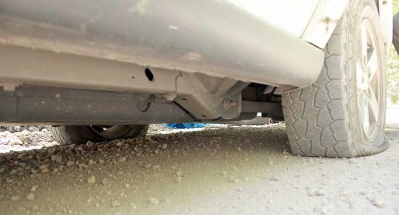 Vá lốp ô tô lưu động TX Tân Uyên